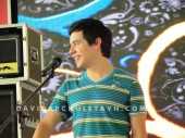 David Archuleta- Soundcheck- Giang Vo, Hanoi- 7-24-2011 (24)