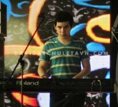 David Archuleta- Soundcheck- Giang Vo, Hanoi- 7-24-2011 (26)
