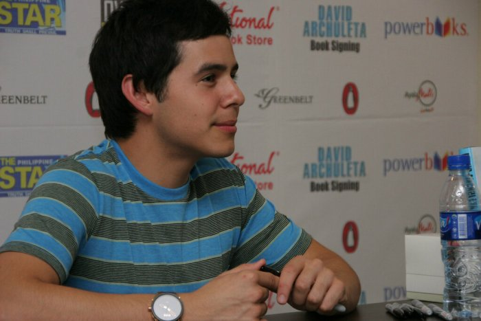 David Archuleta at signing session - DALIM3, July 2011