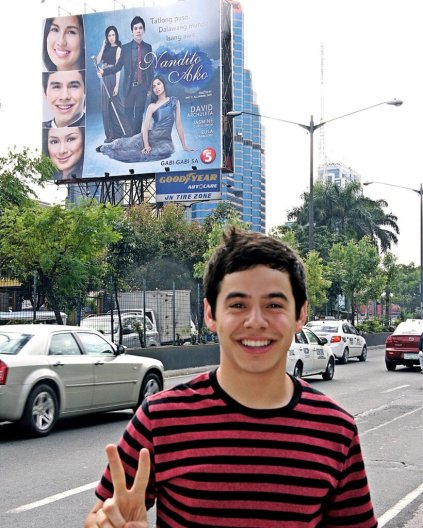 David Archuleta standing in front of Nandito Ako billboard (better pic)
